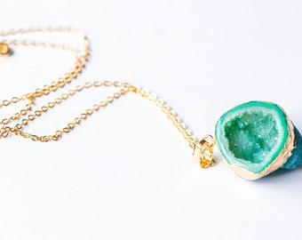 Geode Necklace,Geode slice necklace,Geode Jewelry,Raw Geode Necklace,Geode Druzy,Agate geode necklace,DrusyGeode jewelry,Geode Half Necklace