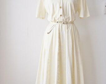 80s-does-50s cotton dress, Full skirt Short sleeves Lemon White Floral Day dress, Medium 1079