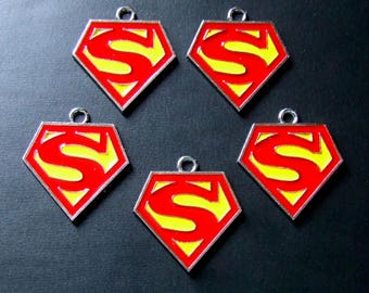 Superman Logo Charms in sets of 5 only 60 cents per charm / Superhero Geek Nerd Jewelry Pendants enameled metal