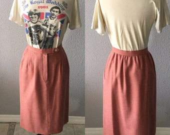 1980's Evan-Picone Vintage Evan Picone Blush High Waisted Midi Skirt With Pockets.