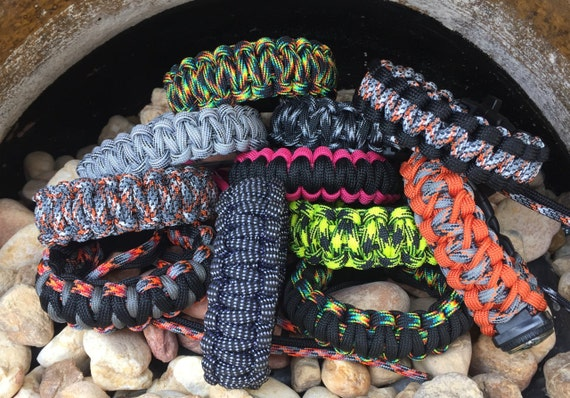 Christmas Paracord Bracelets, special buy, until Jan, on new cord colors,