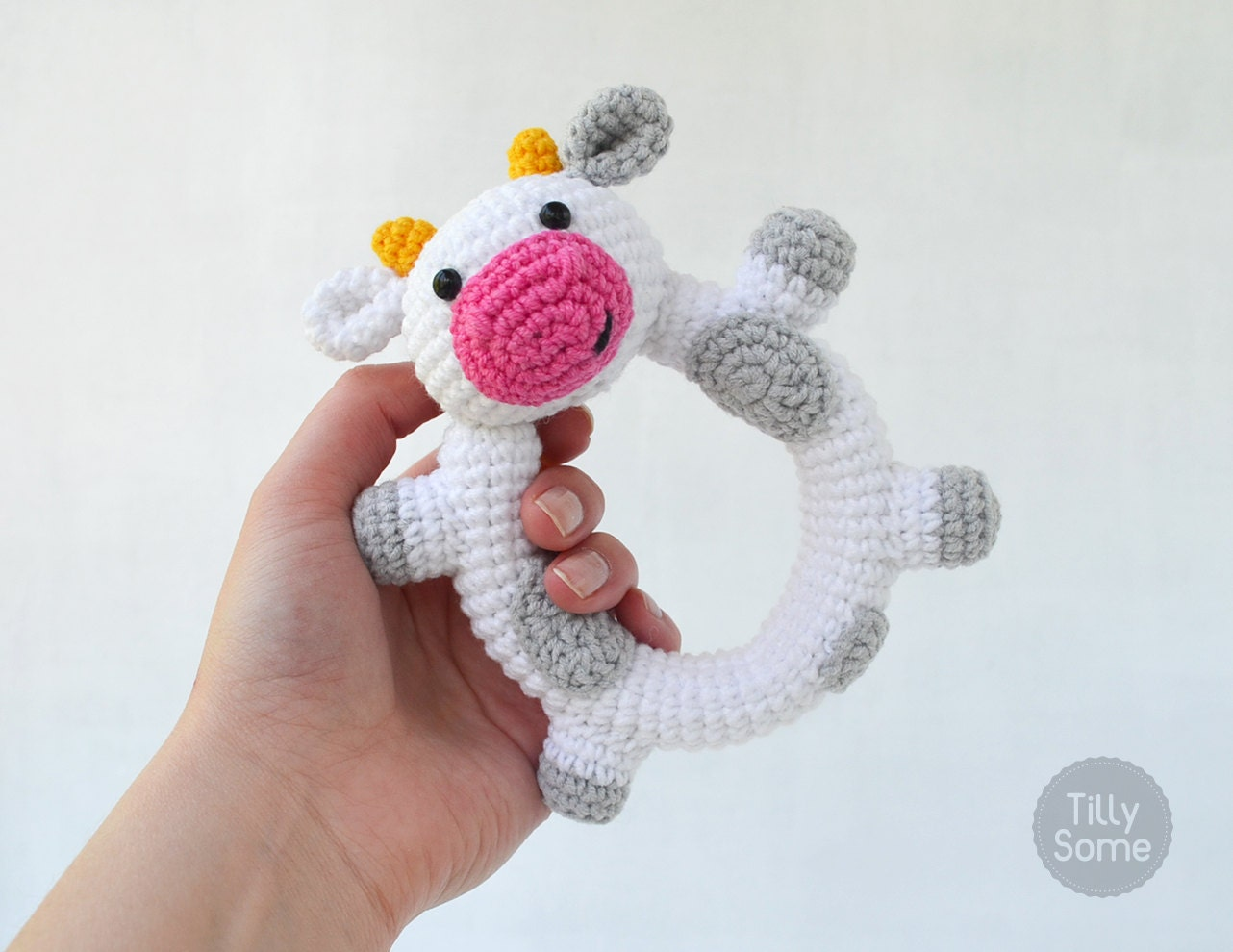 Cabeza Vaca Amigurumi : Happy Cow Rattle Pattern Crochet Rattle Toy Baby Rattle