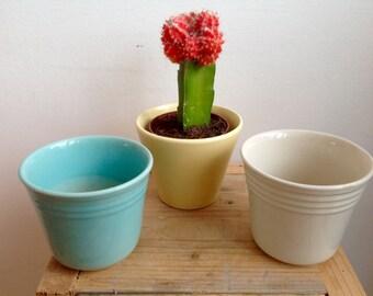 vintage planters, cactus pots, mid century pots, pastel colors, retro planters