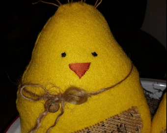 primitive wool felted chick pillow tucks, spring chick ornies, OFG, FAAP, yellow felted chick, Easter chick, spring chick bowl fillers