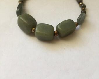 "Serpentine and Quartz Beaded Bracelet 7.5"""