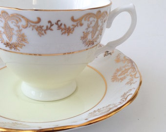 Royal Vale teacup, Vintage Tea Cup, Cup and Saucer