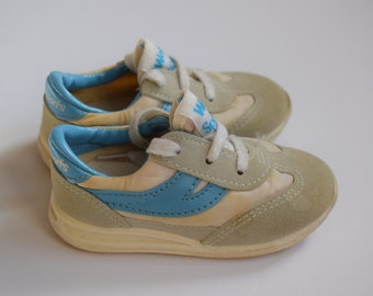 Vintage Baby Shoes, 80s Baby Sneakers, Size 3 - Vintage Baby Clothes - 80s Clothing - Shoes for Baby - Baby Boy Shoes - Baby Girl Shoes