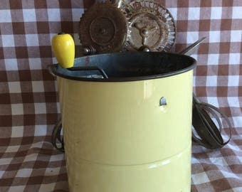 Vintage tin triple screen flour sifter kitchen tool yellow color with wood knob utensil
