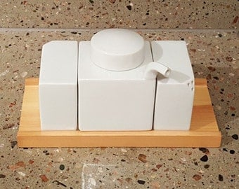 Hakusan Porcelain Condiment Set designed by Masahiro Mori