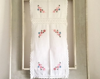 Vintage embroidered table runner, white cotton and crochet floral design.