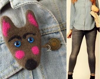 Wolf brooch Wolf pin Cute brooch Animal brooch Felt brooch Felt animals Gift for girlfriend Felted brooch Wolf jewelry Wolf art Pin wolf