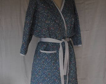 Woman in Liberty 1980 quilted cotton bathrobe