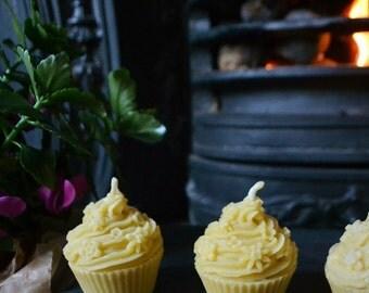 Cupcake - Beeswax Candle