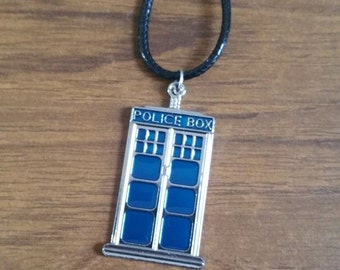 Dr Who Doctor Who T.A.R.D.I.S pendant necklace