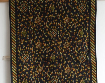 Retro vintage black geometric pattern scarf