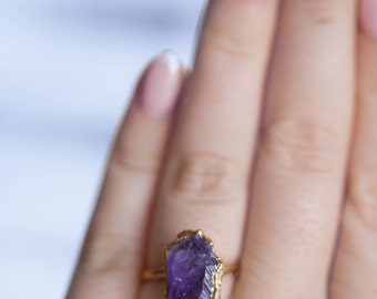 Raw Amethyst Ring, Rough Amethyst Ring, Gemstone Ring, Raw Crystal Ring, Raw February Birthstone, Gold Gemstone Ring, Unique Gift for Her,