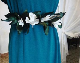 Cinturón  flores de tela.