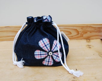 Double drawstring box bottom bag | Knitting project bag | Crochet project bag | One skein project | Upcycled | Appliqué | Crew Clothing