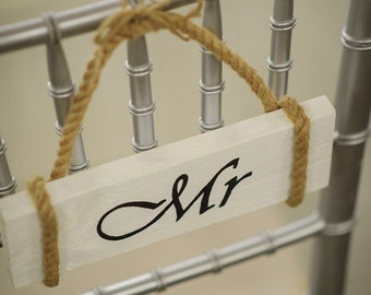 Mr. & Mrs. Chair Set, wooden sign