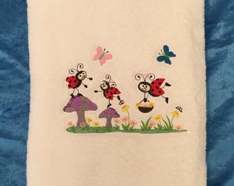 Bath Towel – Embroidered – Ladybugs in the Garden – White