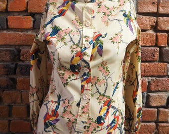 Women's 80s High Neck Long Sleeve Cream Blouse With Floral And Bird Print Pattern Size X-Small Small
