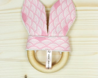 Teether wooden shell pink