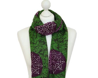 Green Batik Silk Scarf / Green Scarf / Spring Summer Silk Scarf / Ladies Silk Scarves / Gifts for Her / Handmade Silk Scarf / Accessories