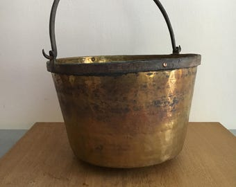 large Antique Solid Brass Hearth Kettle Cooking Pot Pail Bucket Cast Iron Handle