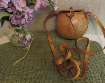Vintage Carved Coconut Shell Purse Soft Leather Handmade Boho Hipster Chic Crossbody Pouch Coin Purse Baguette