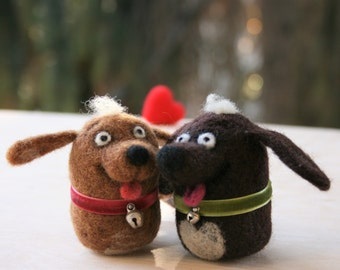 Needle felted dog couple, Wool Dogs, Handmade dogs with heart, Valentine's Day gift