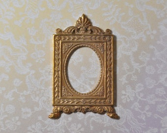 French Neoclassical Versailles Style Brass Picture Frame Portrait Setting 311J