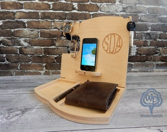 iPhone Docking Station,Personalized Gift for Him, Custom Gift for Dad from Daughter, Fathers Day Gift, Wood docking station mens gift
