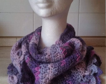 Baktus (triangular scarf) in lana-violet, purple, pink, Fuchsia