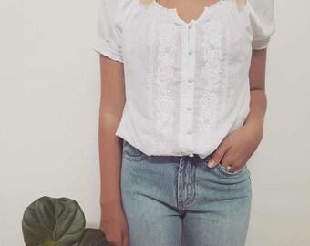 Vintage 90's // BOHO // Embroidered Cotton Blouse