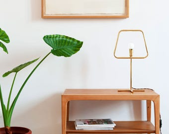 SlimS brass table lamp