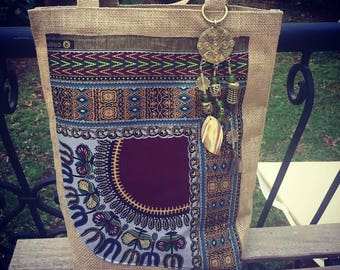 Urban-chic Tote bag with African masai jewellery