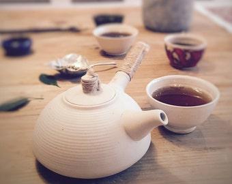 Weiße Chinesische Teekanne Ton, White ceramic Chinese teapot, Teezubehör, tea accessory