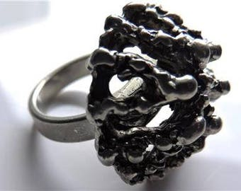Mid Century BRUTALIST MODERNIST RING Oxidized Silver Metal Unsigned  Size 7