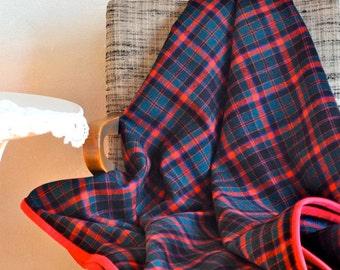 Red & Green Plaid Wool Throw Blanket Medium/Lightweight Holiday Cabin Decor Classic Winter Plaid