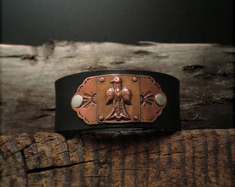 "B1537  ""Bird"" Badge Leather Cuff"