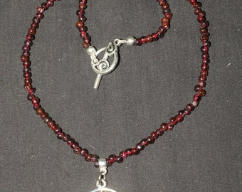 Fairy Star and Garnet Necklace  - Septagram, Elven star, Seven-pointed Star - Pagan, wicca, magic