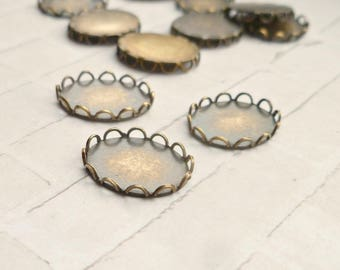 12 Brass 12x 10mm Lace Edge Oval Settings Made in USA (52-4B-12)
