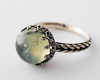 Prehnite Ring.Green gemstone ring.Silver crown ring.Green Prehnitering.Israeli jewelry.Solitare ring.