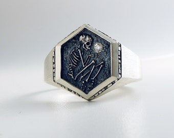 Shallow Grave Signet Ring w/ White DIamond
