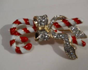 Vintage Red & White Candy Cane Brooch, Rhinestone Ribbon, Christmas Jewelry, Festive Candy Canes, Coat Brooch, Elegant Christmas Jewels