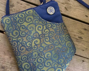 Blue And Green Zipper Top Banner Bag Tapestry Pocket