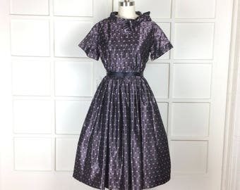 Vintage 60s Party Dress Full Skirt Bow Collar Jacquard Aubergine Lavender Purple 40 bust large 1960s