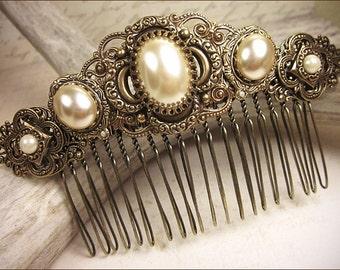 Cream Pearl Bridal Comb, Medieval, Renaissance Wedding, Tudor Hair Accessory, Ren Faire, Medieval Jewelry, Garb, SCA, Bridesmaid Comb
