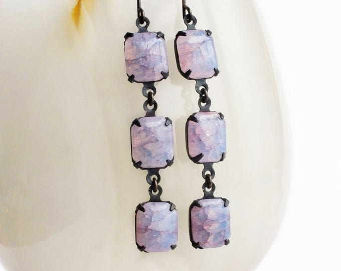 Light Purple Crackle Glass Earrings Vintage Opalescent Purple Stone Dangle Earrings Pastel Lavender Purple Jewelry