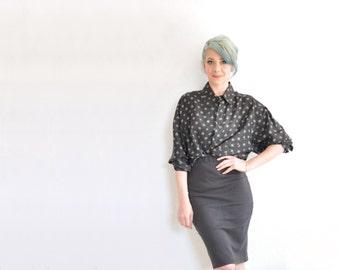 card player club diamond print blouse . black gold silk long sleeve oxford .extra large.xl